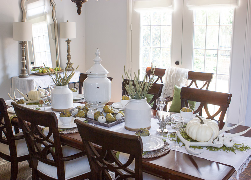 texas twist that makes my hubby happy and we all know that a hubby who is happy about a fall tablescape is a rare gem in the scheme of home decor ha - Texas Style Decorating
