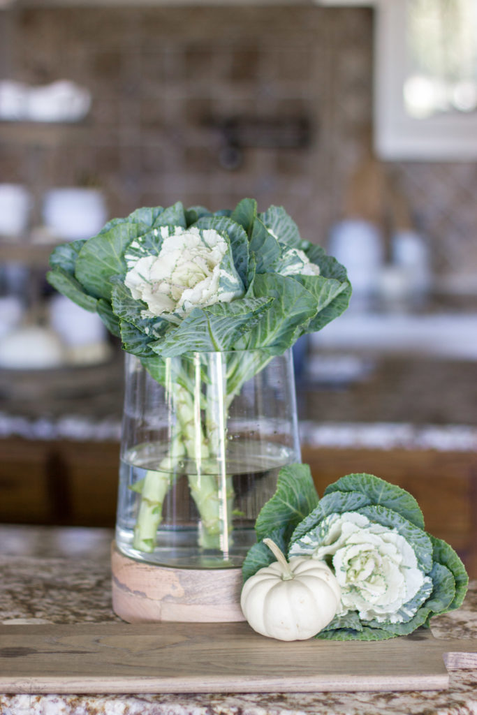 5 simple fall arrangement ideas using one glass vase. Be inspired by many ways to use just one vase. #fall #fall arrangement #glassvase